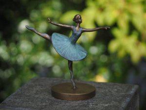 Beeld ballerina - Tuinbeeld - brons - Bronzartes - 19 cm hoog