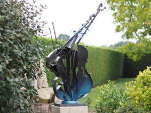 Metalen beeld - Tuinbeeld - beeld - cello - 148 cm hoog - voor huis en tuin