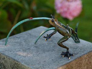 Tuinbeeld - glassculptuur - beeld - groene kikker - Bronzartes - 9 cm hoog