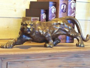 Tuinbeeld - bronzen beeld - Sluipende jaguar - Bronzartes - 17 cm hoog