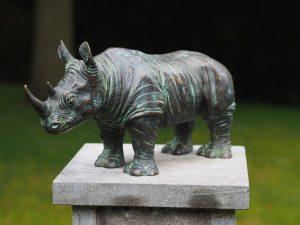 Tuinbeeld - bronzen beeld - Neushoorn - Bronzartes - 18 cm hoog
