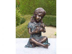 Tuinbeeld - bronzen beeld - Meisje met Teddy Beer - Bronzartes - 14 cm hoog