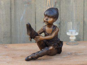 Tuinbeeld - bronzen beeld - Zittende ballerina - Bronzartes - 21 cm hoog
