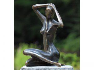 Tuinbeeld - bronzen beeld - Grote zittende vrouw - Bronzartes - 39 cm hoog