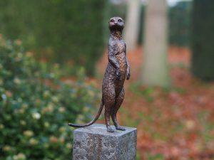 Tuinbeeld - bronzen beeld - Stokstaartje - Bronzartes - 28 cm hoog