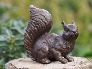 Tuinbeeld - bronzen beeld - Eekhoorntje - Bronzartes - 12 cm hoog