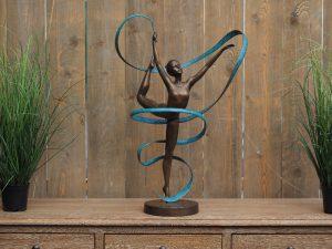 Tuinbeeld - bronzen beeld - Turnster met lint - Bronzartes - 89 cm hoog