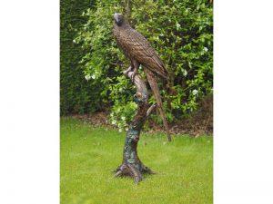 Tuinbeeld - bronzen beeld - Papegaai op boomstam - 168 cm hoog