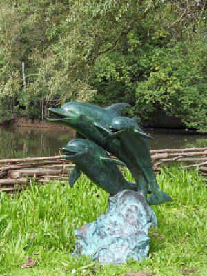 Tuinbeeld - bronzen beeld - 3 Dolfijnen fontein - 94 cm hoog
