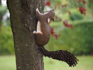 Tuinbeeld - Eekhoorn - 34 cm hoog