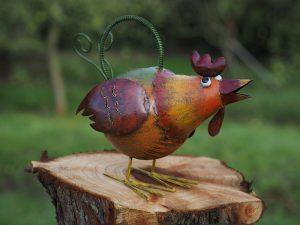 Tuinbeeld - Gieter kip - 28 cm hoog