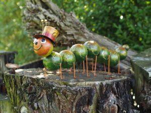 Tuinbeeld - Duizendpoot met hoed groot - 30 cm hoog