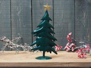 Metalen beeld - Kerst - Kerstboom - 32 cm hoog - groen